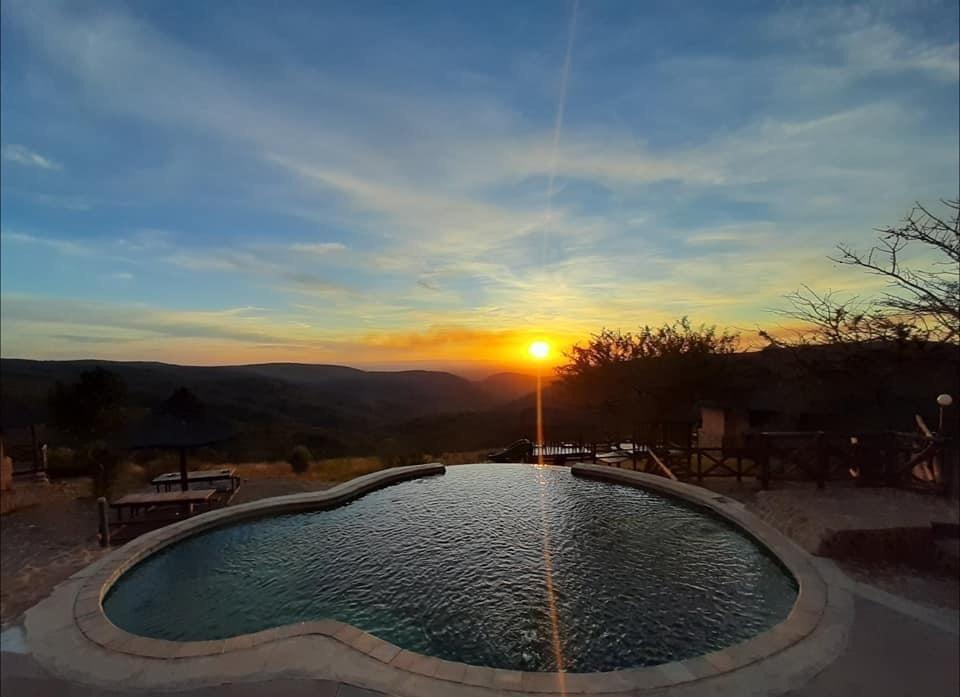 Sonnenuntergang Magadzavane Lodge