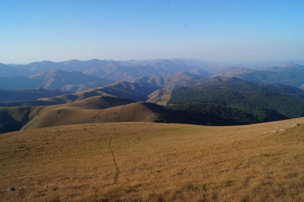 Aussicht vom Mount Emlembe, dem höchsten Punkt in Eswatini, im Nordwesten des Landes